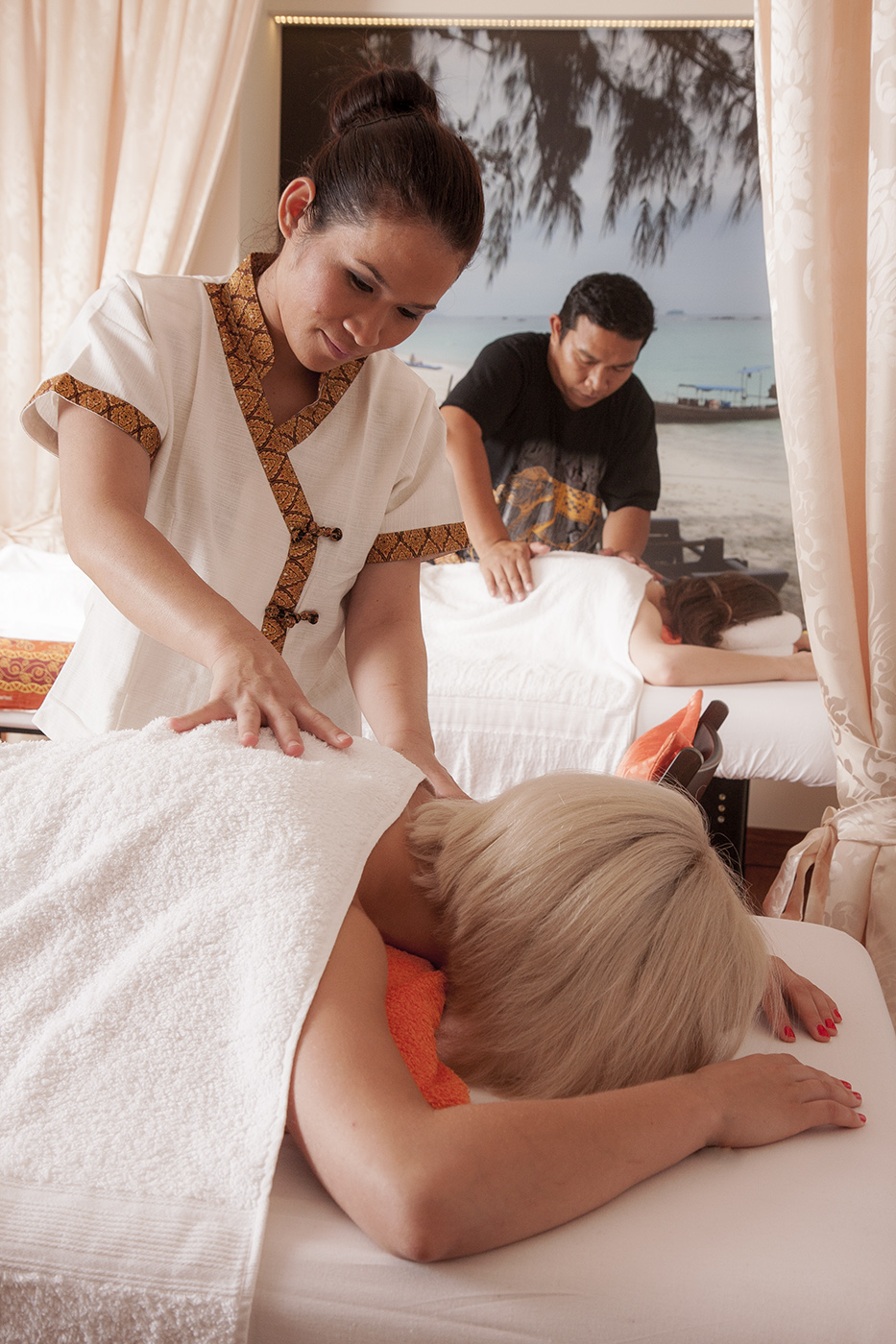 na thai massage escort idag